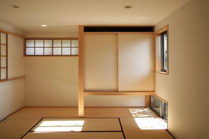 和室の収まりがいいなと感じるのは、デザインに共通のリズムがあるような気がする。