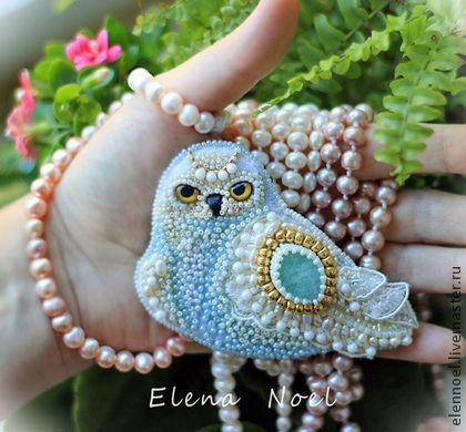 Handmade brooches.  Fair Masters - handmade Princess Sofia Snowy owl embroidered brooch with blue aquamarine.  Handmade.