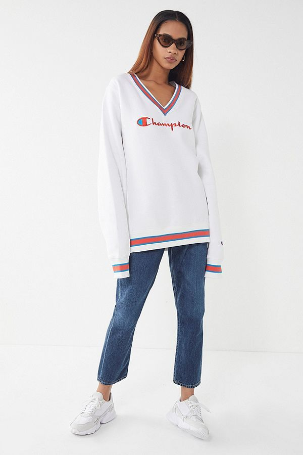 d7b3971c Champion UO Exclusive Fleece V-Neck Sweatshirt in 2019 | dream ...