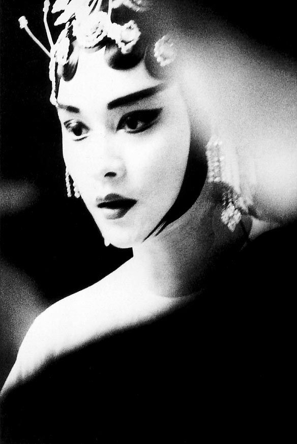"""Leslie Cheung in """"Farewell My Concubine"""" (1993)"""