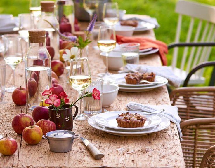 Hagebutten, Heidekraut, Zierkürbisse & Dahlien sorgen für einen farbenfrohen Herbst.