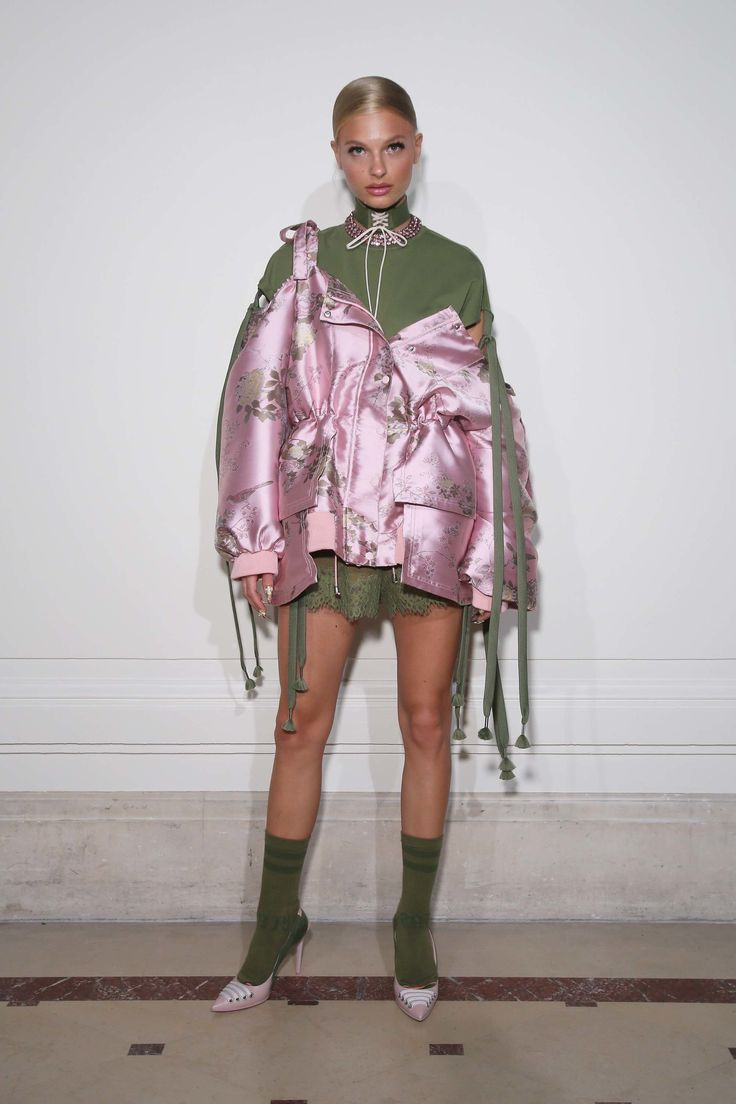 See the complete Fenty x Puma Spring 2017 Ready-to-Wear collection.