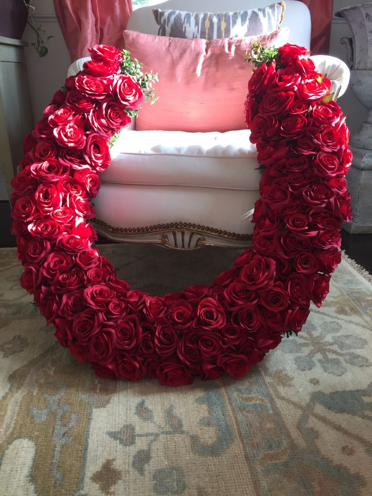 Faux Rose Horseshoe Wreath Made By Deconstructing A 30 Quot Round Wire Wreath Frame Faux Boxwood
