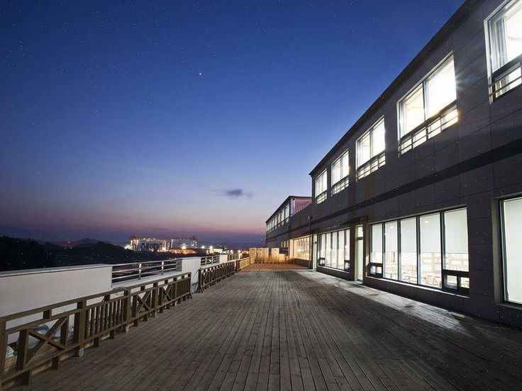 Gyeongsangnam-do Sacheon Grand Hotel South Korea, Asia Sacheon Grand Hotel is perfectly located for both business and leisure guests in Gyeongsangnam-do. The hotel offers guests a range of services and amenities designed to provide comfort and convenience. Free Wi-Fi in all rooms, 24-hour security, daily housekeeping, fax machine, portable wi-fi rental are there for guest's enjoyment. Some of the well-appointed guestrooms feature closet, fax machine, towels, slippers, complime...
