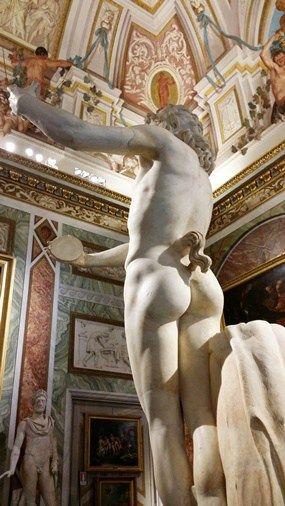 Din 19 tablouri de Caravaggio cate am gasit eu in bisericile si muzeele