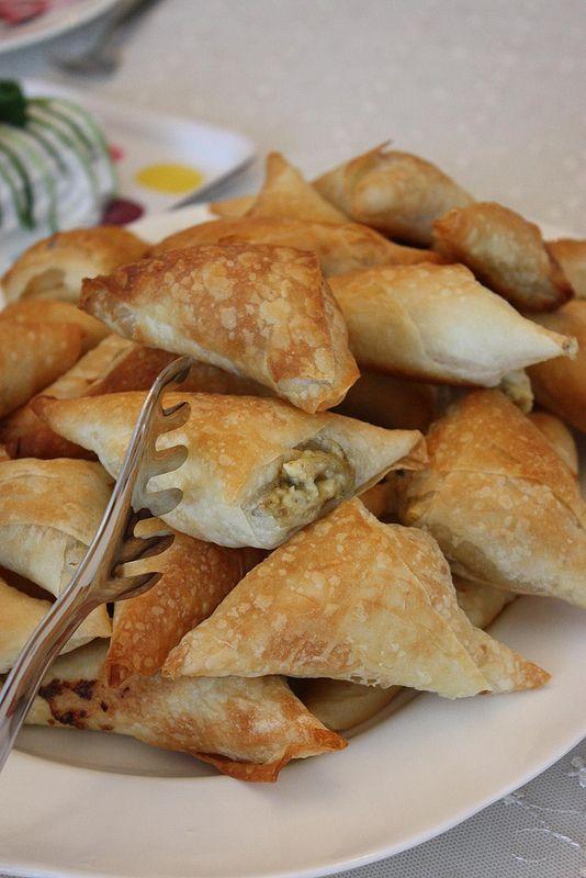 Kremalı patlıcanlı muska böreği