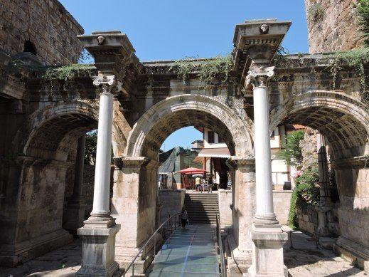 Hadrian's Gate, Antalya