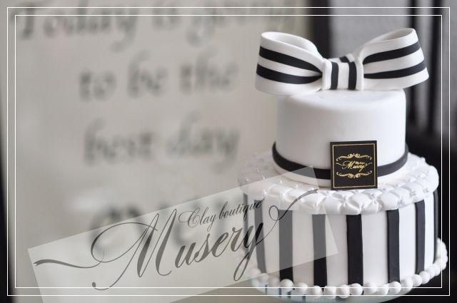 クレイケーキ:モノトーン の画像|クレイケーキSHOP〜Musery(ミューズリー)〜奈良・学園前(ウエディング・ディスプレイケーキ)Weddingアイテムを中心に多数の商品♪