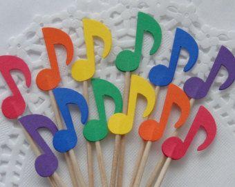 Artículos similares a 12 Nota de música arco iris colorido partido recoge / Cupcake Toppers / palillos de Cóctel / selecciones de alimentos - también disponible en blanco y negro en Etsy