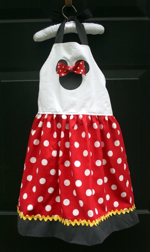 mini apron.. cute!!!!!