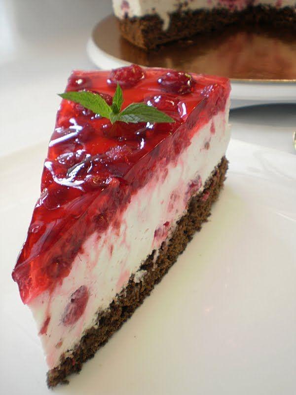 Prajitura cu zmeura si crema de urda | Retete Culinare - Bucataresele Vesele