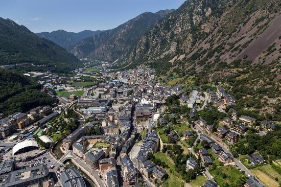 Andorra la Vella - Andorre la Vieille