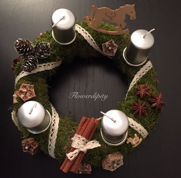 Adventskranz Nature #flowerdipity #christmas #wreath #table #decoration #natural #plants #cinnamon #flavor