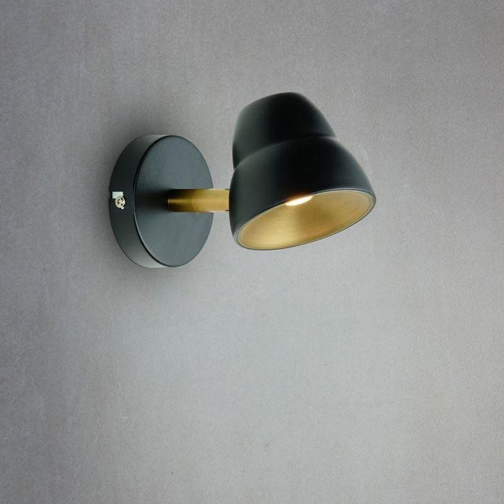 #Sänglampa Fico från #Herstal. En vacker lampa med sin mjuka design.
