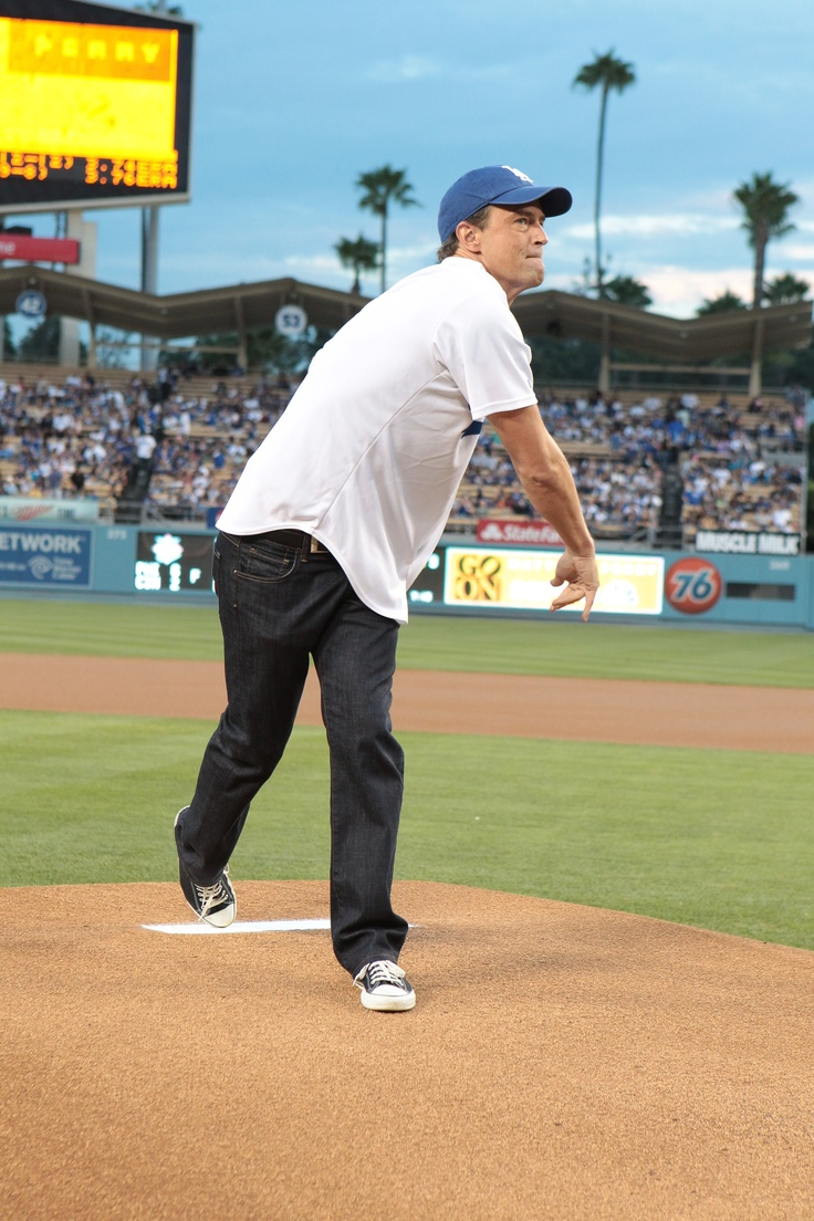 Matthew Perry throws out the first pitch at a Dodgers gameBasebal Players, Ballplay, Matthew Perry, Mad, Perry Throw, Perry Obsession, Dodgers Games, Things Entertainment, The Roller Coasters