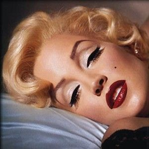 Marilyn Monroe.: Marilyn Monroe, Eye Makeup, Makeup Tips, Red Lips, Pinup, Lisa Mary Presley, Pin Up, Retro Makeup, Kevyn Aucoin