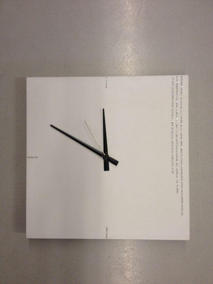 Concrete clock swarovski