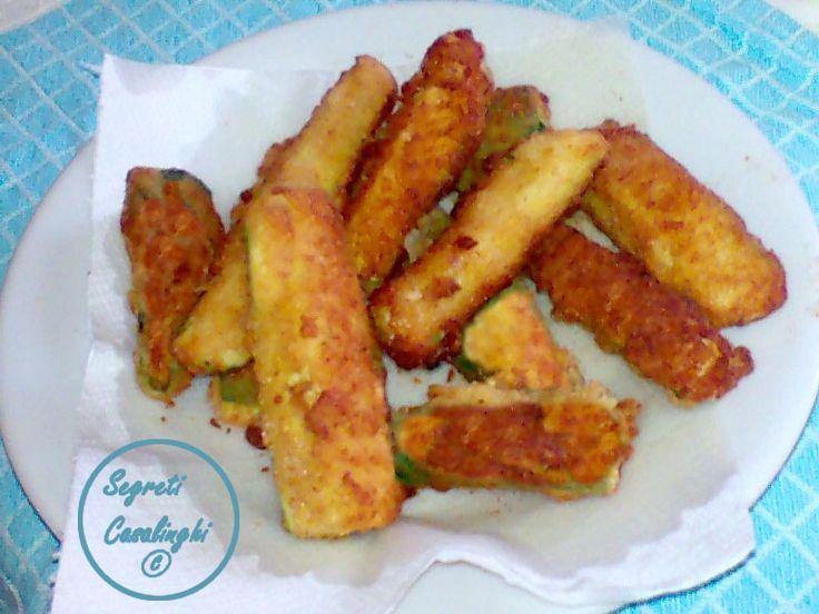 bastoncini zucchine fritte,ricetta bastoncini di zucchine,ricetta bastoncini di zucchine impanate e fritte,ricette verdure,zucchine impanate e fritte,