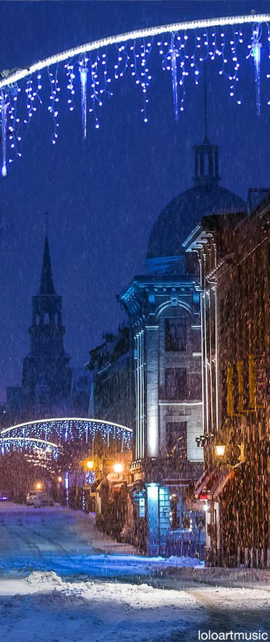 Snow quiets Rue St. Paul in Vieux Montréal, Canada