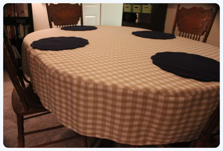 DIY Project: Oval tablecloth