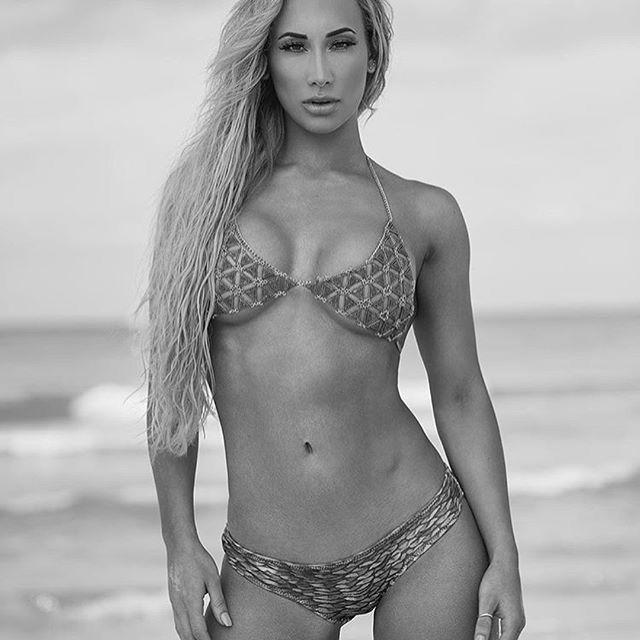 Pin By Str On Wwe Wwe Womens Carmella Wwe Wrestling News