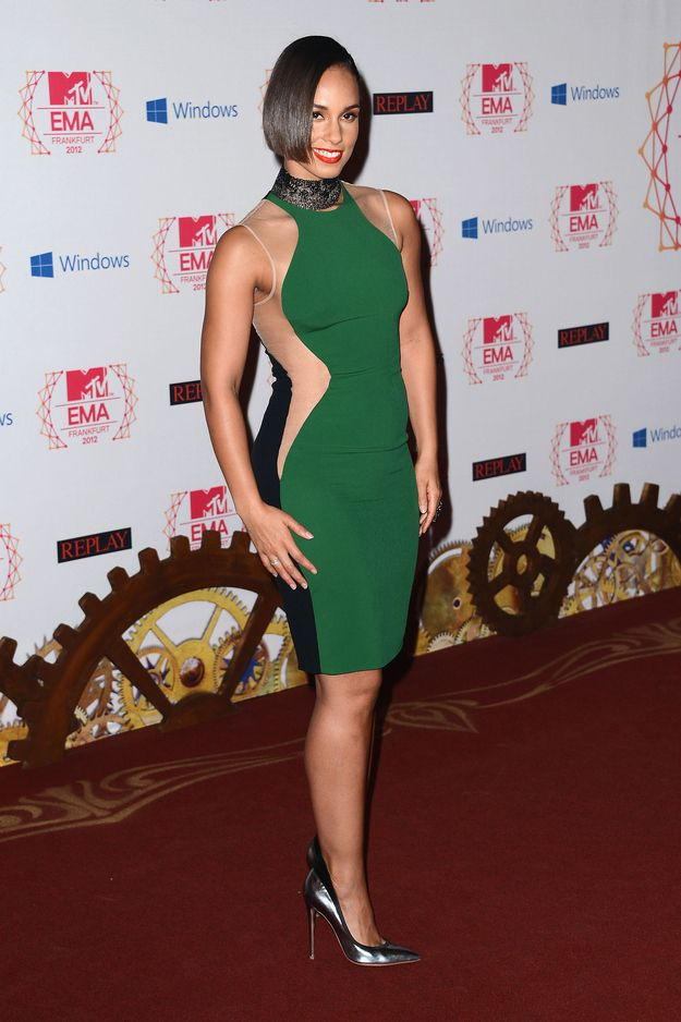 alicia keys wearing the best version of this dress ive seen. her body looks amazing and she looks so youthful! (Fashion At The 2012 MTV EMAs)