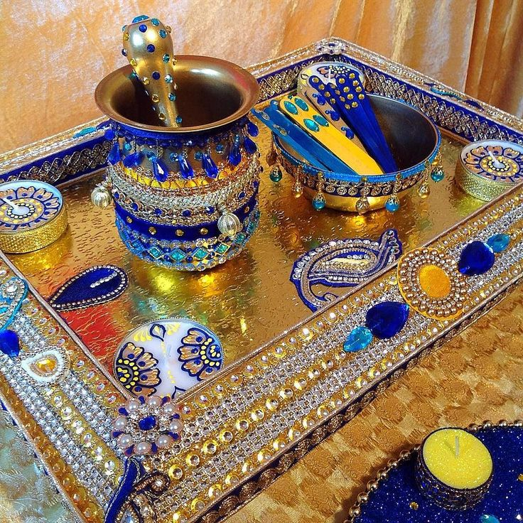 Another Royal blue order henna candles by the talented @luxuryhennaart #mehnditaal #mehndithaal #mehndiplate #mehnditraysforfun #shaadi #mehnditrays #shaadiseason #royalbluewedding #luxuryhennaart by mehndi_trays_for_fun