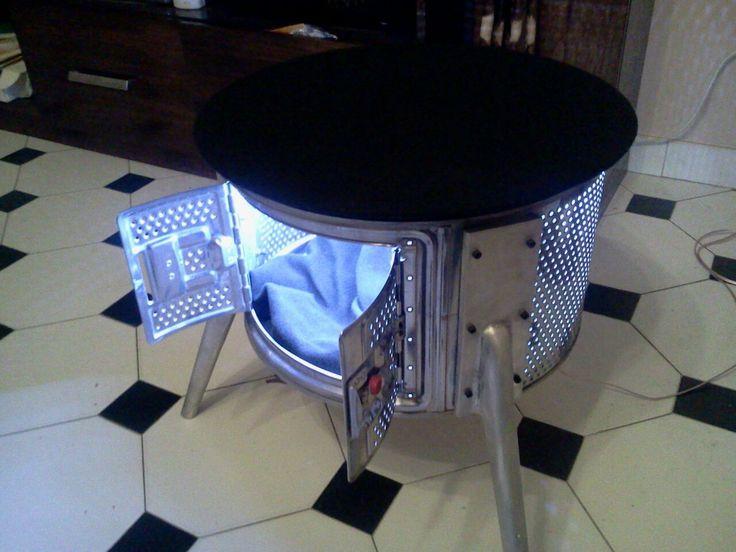mesa de apoyo hecha con tambor de lavarropas y patas de aluminio las cuales hemos enviado a fundir y luego pulido. La matriz de las patas es propia.