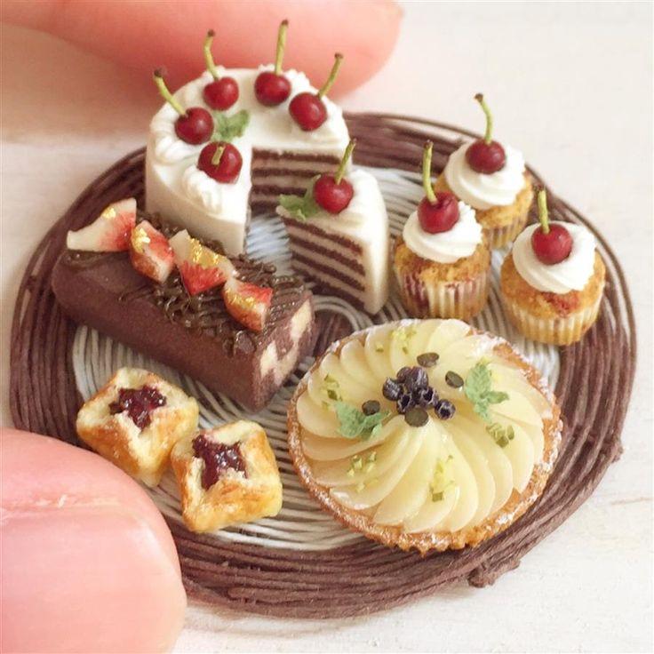 Dollhouse Design Cake : 1447 best Dollhouse Miniatures images on Pinterest ...