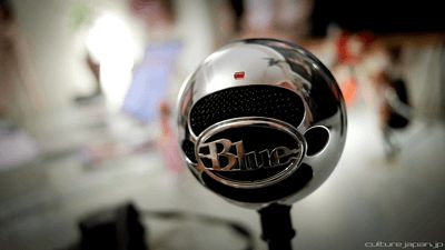 Blue Snowball Microphone Review Is The Best Why? Hi, guys! Welcome back to our article today. We know you are looking for a great quality microphone, Previously we review blue snowball iCE and it was hit with our buyer. which is why you're here. And well, congratulations! You are at the right place at the right time. Today we will be doing a blue snowball microphone review for you.
