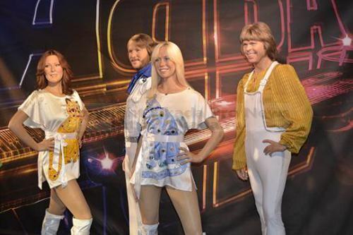 Агнета, Бенни, Бьорн и Анни-Фрид - легендарная шведская группа АВВА - вновь вместе вышли на одну сцену. Совместное выступление, первое с 2008 года, состоялось в поддержку проекта Mamma Mia! The party. The party - музыкальная вечеринка, кот...  #музыкальная, #авва