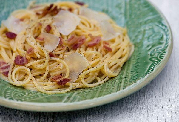 White Wine Spaghetti with Bacon and Parmesan...love the idea of ...