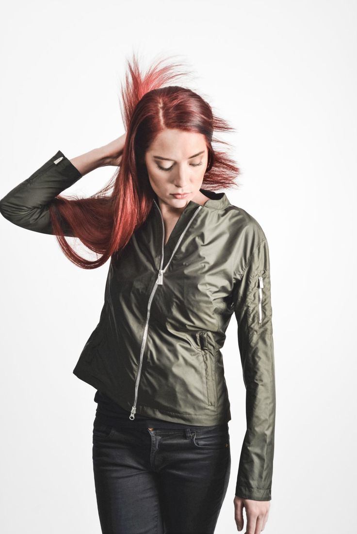 Capena #Jacket #green #fashion #women #red #hair #hairstyle #outfit.  www.snoot.se