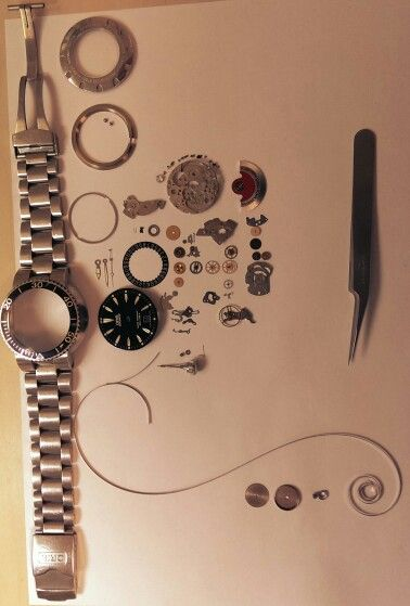 Oris TT1 disassembled & ready for cleaning