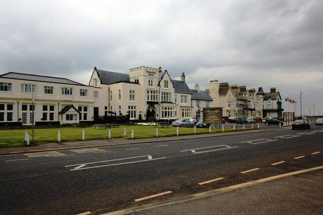 Modern picture Staincliffe Hotel