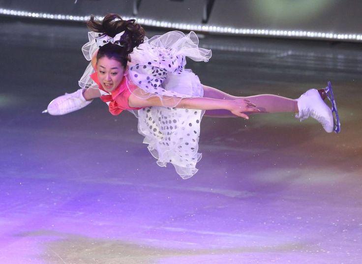 フィナーレで華麗なジャンプを決める浅田 (970×708) 「ジャンプを決める浅田」 news.goo.ne.jp/...