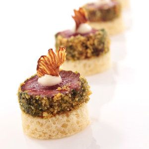 17 best ideas about mini beef wellington on pinterest for Beef canape ideas