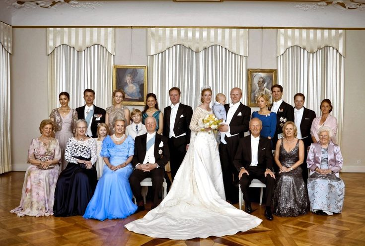 Princess Nathalie and Alexander Johannsman family wedding picture, 2011