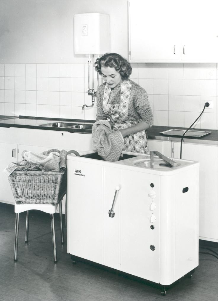 14 best vintage hair dryer aeg radiopur haartrockner 1920 25 peter behrens typography images. Black Bedroom Furniture Sets. Home Design Ideas