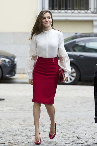 911dca1cd85 Tendance Mode  La tenue chic parfaite pour aller travailler ! Queen Letizia