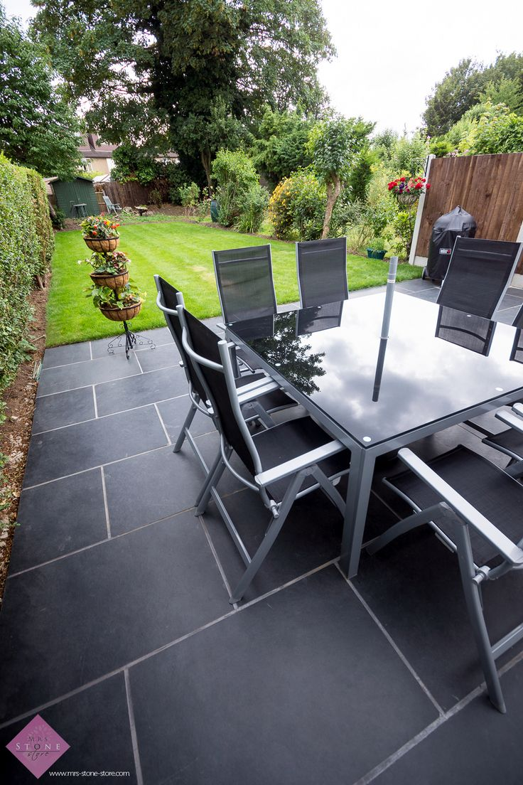 Brazilian Slate Pavers make a fabulous patio surface for entertaining and thanks to non-slip properties work fantastically in all weather #garden #patio #gardendesign