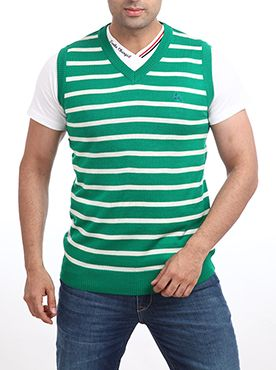 Parx is a household name when it comes to the garment industry. It introduces this winter wear for people who want to look trendy without compromising on the comfort level. This medium green colored winter wear bears a sporty look that is highly being appreciated by the youth. It is made up of acrylic wool which ensures that you get the required amount of warmth during the winter. This winter wear will also get you, lots of compliments for your fashion sense. You can wear this to your ...