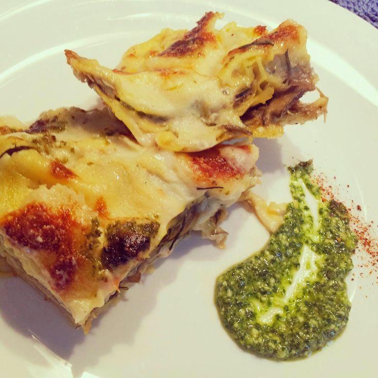 attimidicucina: Lasagna ai carciofi e agretti con pesto alla rucola ....decisamente fuori stagione!!!!