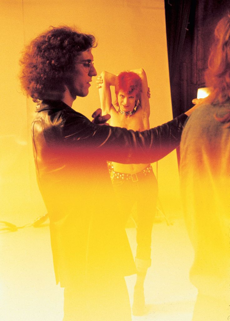"""Mick Rock on the set for the promo for """"The Jean Genie"""", San Francisco oct. 1972. From the book The Rise of David Bowie. 1972-1973. Éditions TASCHEN (Collector's Edition)"""