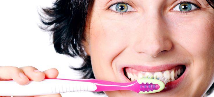 Pouca escovação dental pode provocar infarto, AVC e parto prematuro