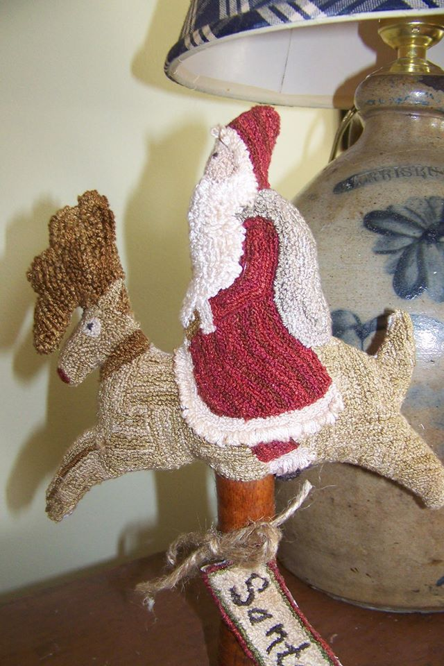 17 Best Images About Hooked Rugs Santa On Pinterest Wool