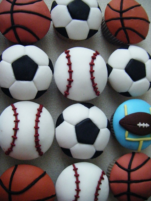 Sport cupcakes @Nicky Crowley Theodore
