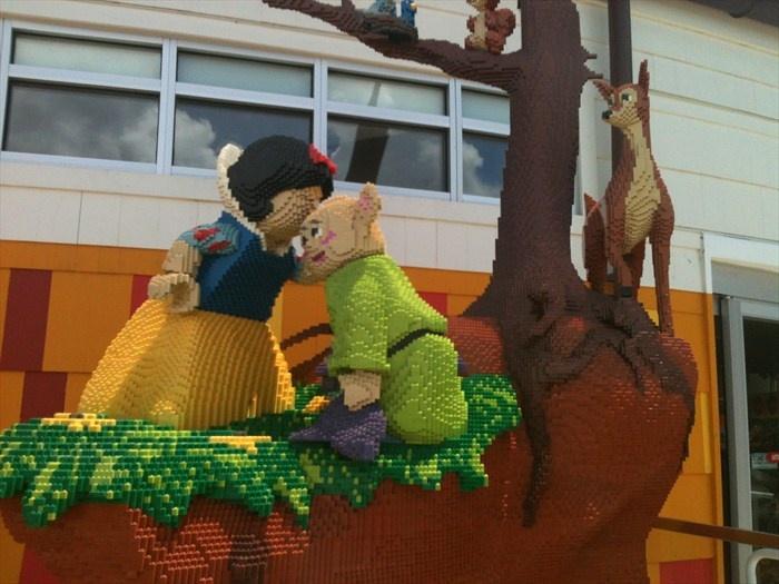26 best LEGO Sculptures and Models images on Pinterest | Lego ...