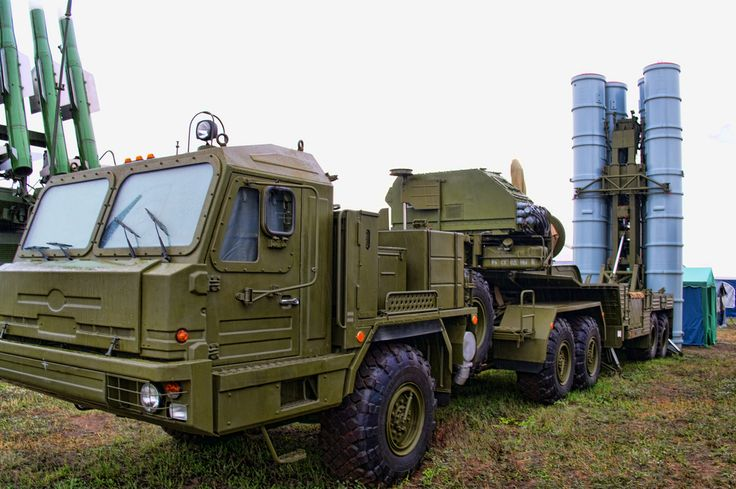 https://flic.kr/p/bddTp6 | Russian surface-to-air missile system S-300 PMU2 Favorit. Комплекс С-300 ПМУ2 Фаворит. | Moscow. MAKS 2011 Airshow.  www.youtube.com/watch?v=rcyCANwAZOQ&feature=related  The S-300 is a series of Russian long range surface-to-air missile systems produced by NPO Almaz, all based on the initial S-300P version. The S-300 system was developed to defend against aircraft and cruise missiles for the Soviet Air Defence Forces. Subsequent variations were developed to int...