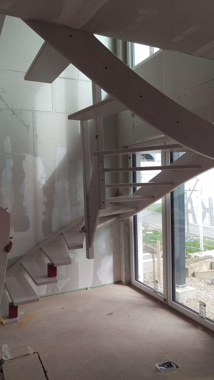 einbau treppe kfweffizienz40plus neubaumusterhaus. Black Bedroom Furniture Sets. Home Design Ideas
